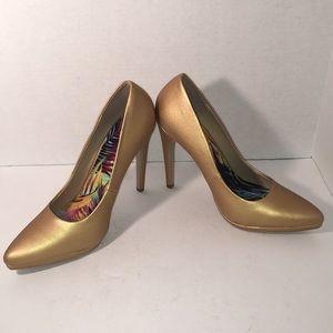 Brand New, Never Worn Gold Heels Size 11